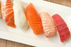 Délicatesse orientale - sushi Images libres de droits