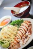 Délicieux saumoné de plat de sushi de poissons délicieux japonais de viande la salade Mayonnais de soupe au riz du wasabi Saba de Photographie stock libre de droits