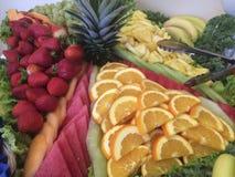 Délicieux superbe tout vous pouvez manger le buffet de fruit Photographie stock libre de droits