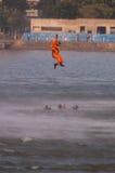 Délivrance au-dessus de l'eau Images libres de droits