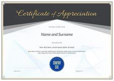 Délivrez un certificat le calibre dans le vecteur pour le comple d'obtention du diplôme d'accomplissement Images stock