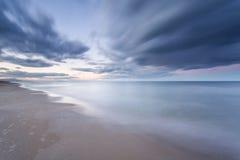 déménager de nuages photographie stock libre de droits