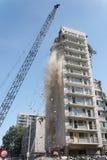 démolition van een gebouw Stock Afbeeldingen