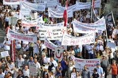Démonstration contre des persécutions et des atrocités en Irak Images stock