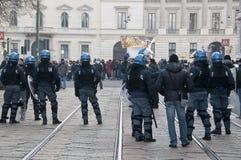 Démonstration d'étudiant à Milan le 14 décembre 2010 Images stock