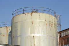 Dép40t de pétrole et de produit chimique et réservoirs de stockage Photos stock