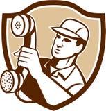 Dépanneur Holding Phone Shield de téléphone Photographie stock