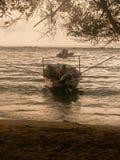 Départ de bateau de pêche Photos stock