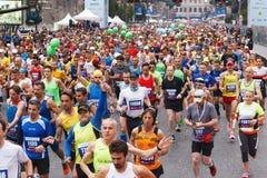 Départ des athlètes de marathon photographie stock