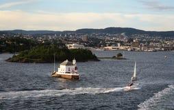 Départ du port d'Oslo Paysage urbain d'Oslo et de fortres historiques Photos libres de droits