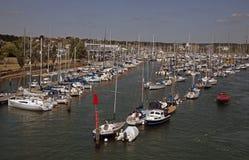 Départ du port Hampshire de Lymington Images stock