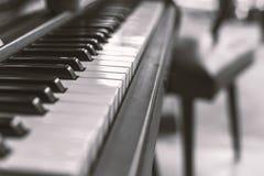 Département de piano de champ, de filtre utilisé de sépia pour le ton de film et de vieux styl Images stock