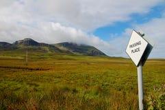 Dépassement de la place d'une route sur Skye Image libre de droits