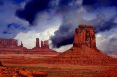 Dépassement de la tempête, vallée de monument Photos stock