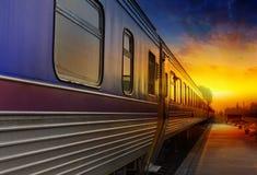 Dépassement de train Photos libres de droits