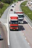 Dépassement sur l'omnibus image stock