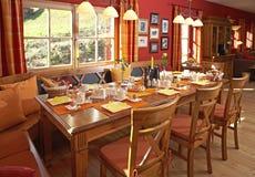 Dépendance autrichienne classique de table de petit déjeuner Image libre de droits