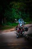 Déplacement avec la moto Photographie stock libre de droits