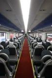 Déplacement du train de voyageurs images stock
