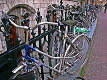 Déplacement en bicyclette images stock
