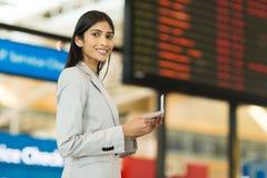 Déplacement indien de femme d'affaires Images stock