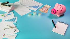 Dépouillez les finances d'affaires de configuration et concept d'investissement photos stock