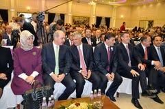 Député Prime Minister de la Turquie Numan Kurtulmus et président nouvellement élu de Kosovo Hashim Thaqi Photo stock