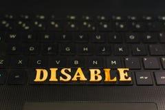 DÉSACTIVEZ les lettres sur le clavier de l'ordinateur portable photos libres de droits