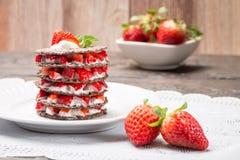 Désert de fraises avec de la crème image stock