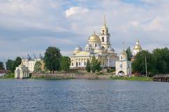 Déserts de Nilo-Stolobenskaya de lac Seliger, Russie photographie stock libre de droits