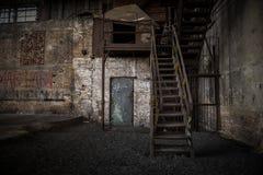 Détail abstrait des escaliers rouillés Image libre de droits