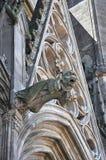 Détail architectural d'une cathédrale gothique avec la gargouille Photo libre de droits