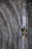 Détail architectural d'une cathédrale gothique avec la gargouille Images libres de droits