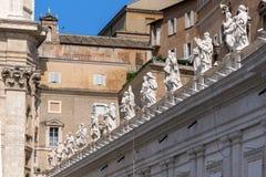 Détail architectural de basilique du ` s de St Peter à la place du ` s de St Peter, Vatican, Rome, Italie Images libres de droits