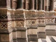 Détail architectural de l'entrée de la cathédrale de San Lorenzo à Gênes Photo stock