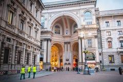 Détail architectural de puits Vittorio Emanuele II à Milan photo libre de droits