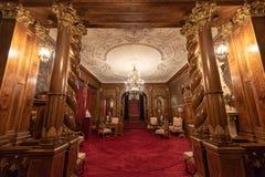 Détail architectural intérieur de château de Peles de Roumanie, également connu sous le nom de Royal Palace photographie stock libre de droits