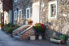 Détail architectural traditionnel au Tyrol est photos stock
