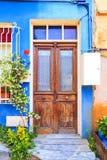 Détail architectural, vieille porte fleurie photographie stock libre de droits