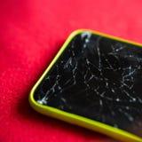 Détail d'un écran brisé de smartphone Photo libre de droits