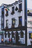 Détail d'un bar irlandais traditionnel dans le secteur de barre de temple dedans Photo libre de droits