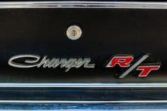 Détail d'un chargeur de taille moyenne R/T de Dodge de voiture Plan rapproché Images libres de droits