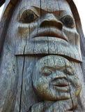 Détail d'un poteau de totem de Songhees dans Victoria, AVANT JÉSUS CHRIST, Canada Photo stock