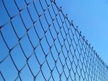 Détail d'une frontière de sécurité à chaînes Photos stock