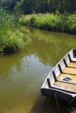 Détail de bateau dans l'étang Photos stock