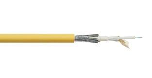 Détail de câble à fibres optiques de fibre d'isolement sur le blanc Image stock