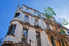 Détail de façade de émiettage de bâtiment à La Havane, Cuba photo stock