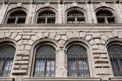 Détail de façade de bâtiment Photos libres de droits