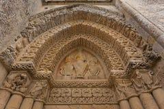 Détail de façade de côté droit d'église d'Aulnay de Saintonge Photographie stock