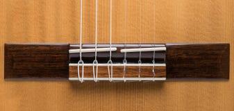 Détail de guitare classique acoustique en bois Photos libres de droits